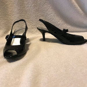 Predictions, black patent leather open toe heel